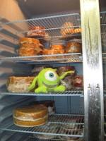 mike lebowski chillin' with unprepared cakes
